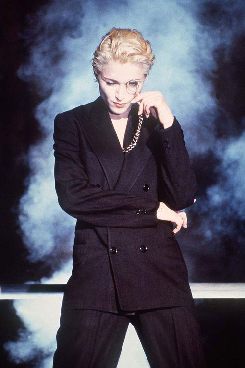 Madonna-34_v_9mar12_rex_b