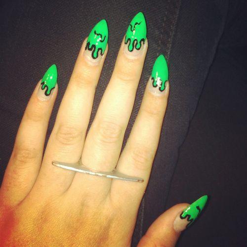 Slime-green-nail-art-salon-nyc